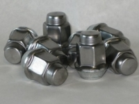 Bag of 5 Chrome Cap Lug Nuts